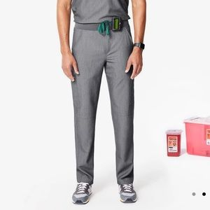 FIGS Axim Cargo Scrub Pants in Graphite, Large